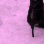 心霊スポットの雪についた不思議な足跡