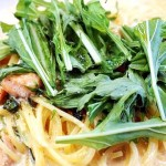ラビリンス・オヴ・サーモンと水菜のクリームパスタ