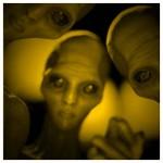 光の中の奇妙な三人
